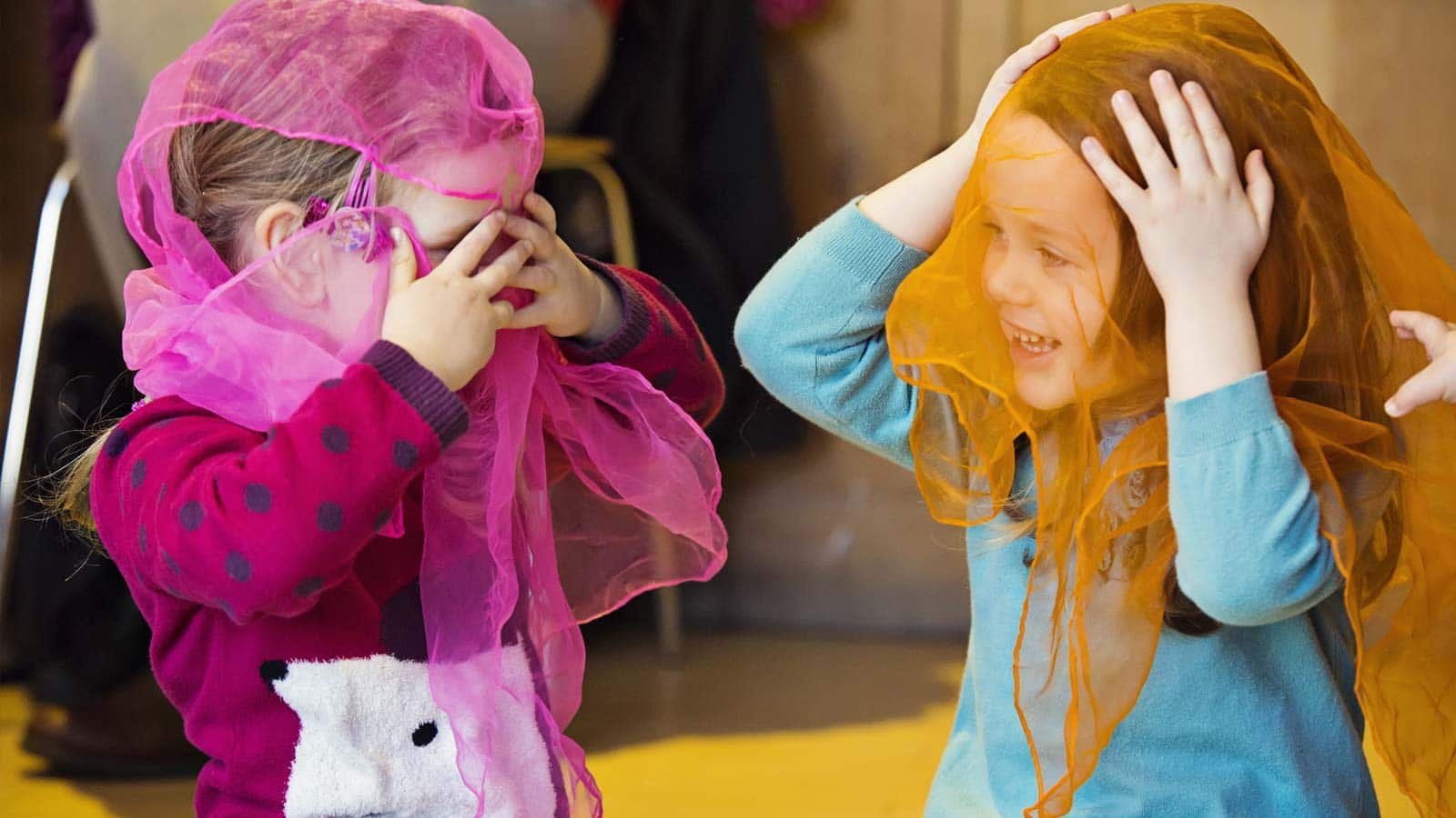 Drama, music and dance classes for young children living in Greater London and Surrey